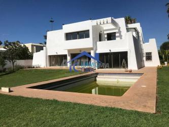 à louer villa vide de 2000 m² à souissi