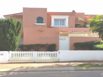vends villa titrée 564 m² à bouznika bay