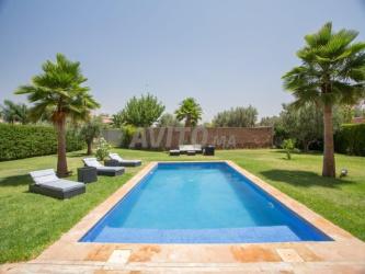 villa moderne piscine privée