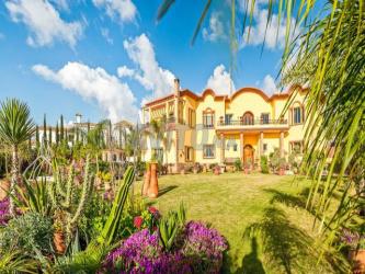 super villa de 2 229 m à vendre sur rte zaer