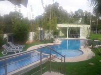 ville meublé de 2200 m avec 2 piscine sur souissi