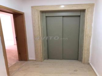 des appartements deux façade avec l\'ascenseur