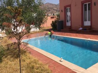 Maison avec piscine sans vis a vie