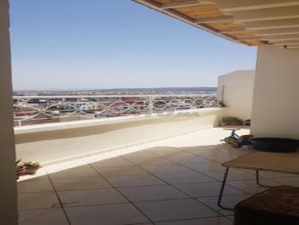 appartement propre 103 m2 avec terrasse à bokhalef