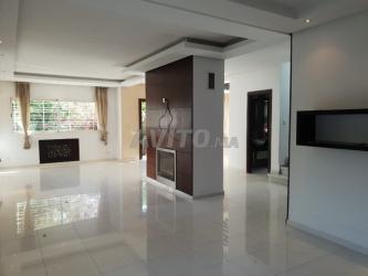 superbe villa de 350m en location à hay riad