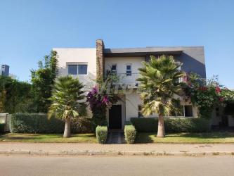 villa à meublée à bouskoura