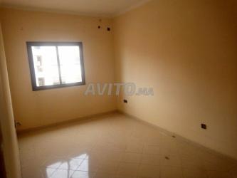 شقة 3 غرف صالون للكراء بحي الشرف قرب مرجان
