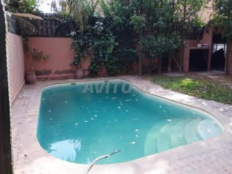 villa 200m avec piscine a route de casablanca