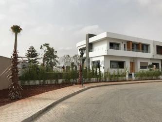 terrain de 490m2 pour villa a riad bouskoura