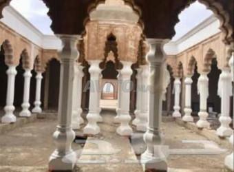 للبيع مشروع سياحي بمراكش 4 هكتار.....