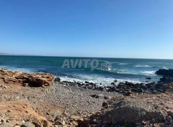 terrain 100m au bord de la mer