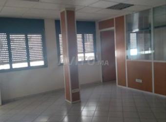 bureau 55 m sur bd mohamed 6 coté mokawama