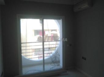 studio vide 1pc salon balcon quartier maarif