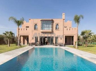 villa de prestige à vendre sur la route de ouarzaz