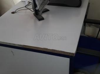 bureau et tables d\'ecole prescolaire à vendre