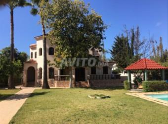maison de 1070 m2 hay riad