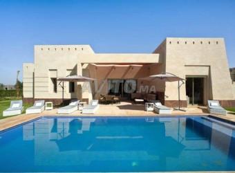 villa piscine privée meublée