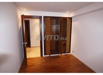 appartement de 240 m neuf a loué sur agdal