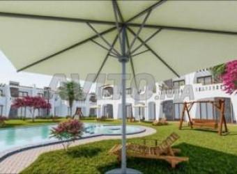 bungalow vu piscine pres de la mer