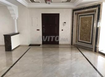 Appartement de 270 m2 Hay Riad